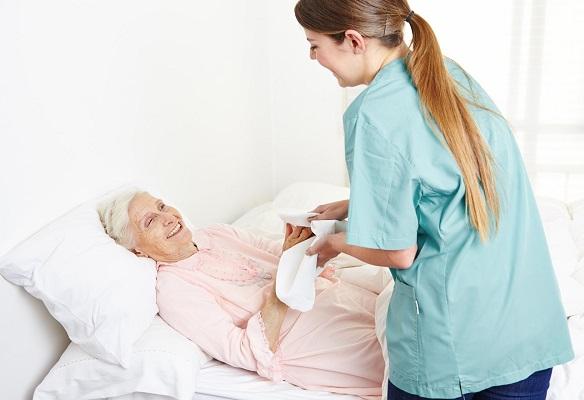 Гігієнічний догляд за лежачими пацієнтками