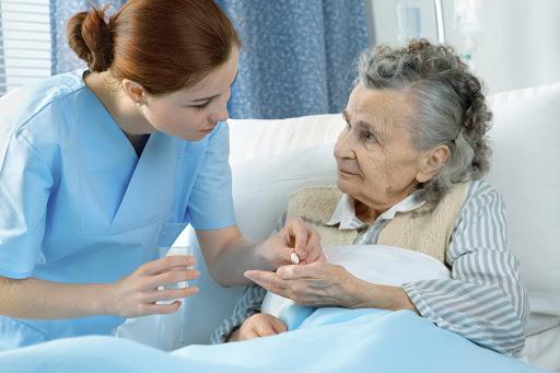 Правила гігієнічного догляду за пацієнтом і контроль за прийомом медикаментозних препаратів