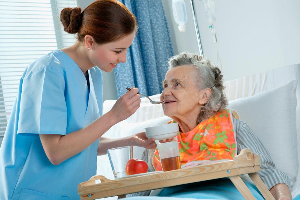 Правила годування лежачих хворих